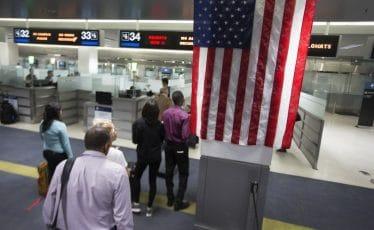 arrivée à la douane américaine