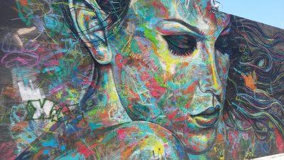 Une oeuvre de street art dans le quartier de Wynwood à Miami